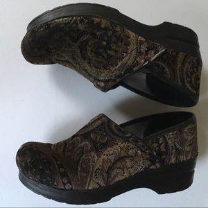 Dansko Vegan Nursing clog shoes size 38